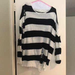 Millau black and white sweater